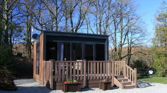 Lakeland Park's Pods Prove Perfect for Staying Friends